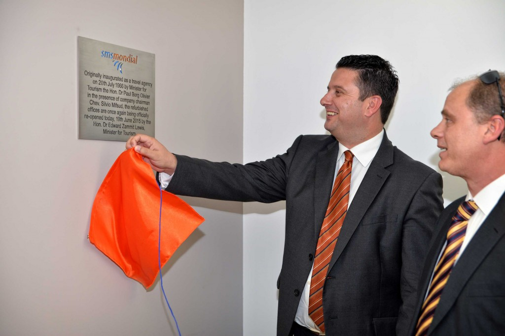 Re-opening-of-smsmondial-VLT-branch